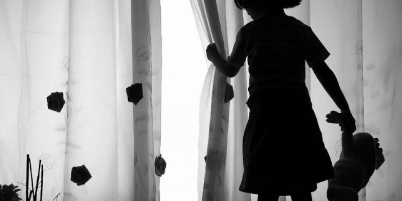 Avó e Cônjuge são presos por suspeita de abuso sexual com criança, em Florianópolis