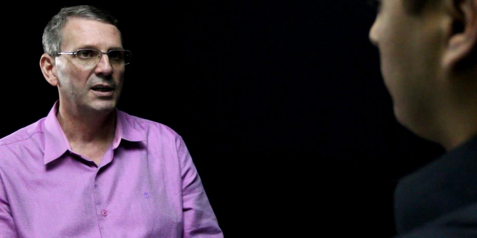 Cara a Cara com : O professor em direito Aurivan Marcos Simionato