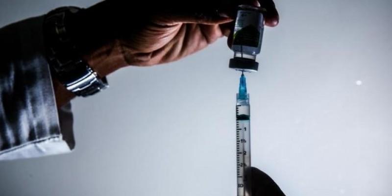 Campanha de vacinação contra a gripe começa nesta segunda em SC