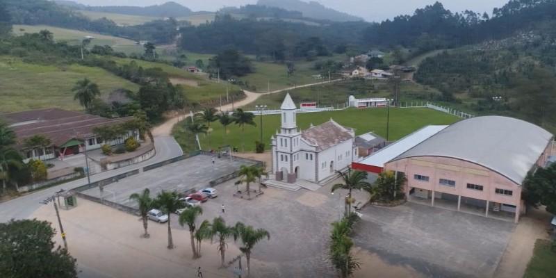 Direção de escola pede sinalizações em estrada no Bom Retiro - SL