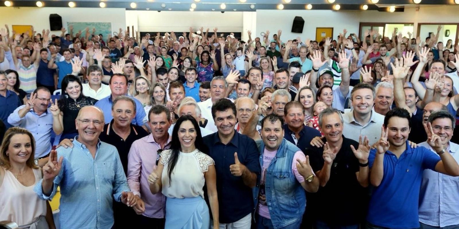 Geovania de Sá reúne 43 cidades catarinenses em seu aniversário