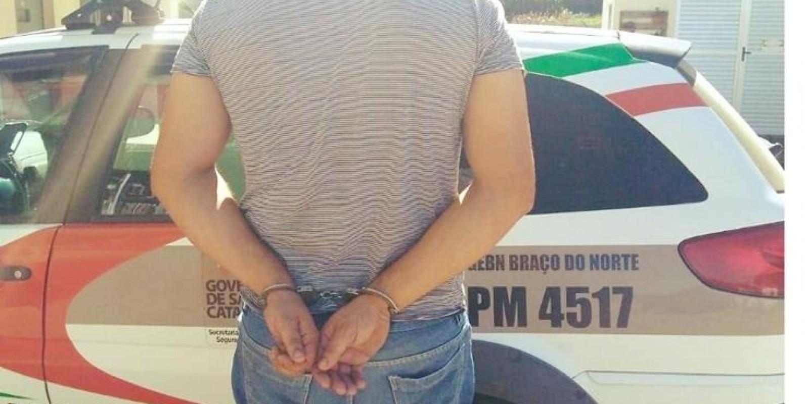 Mandado de prisão ativo, cumprido em Braço do Norte