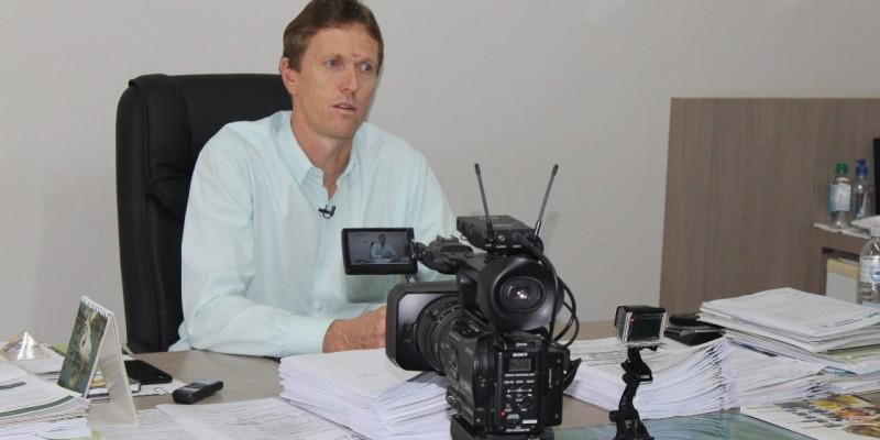Prefeito Volnei Weber confirma renúncia para sexta-feira