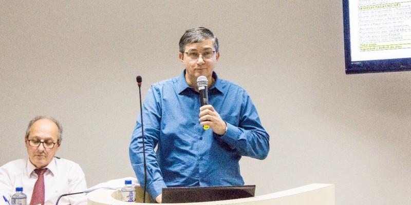 Vice Prefeito de Orleans Mário Coan faz prestação de contas da Prefeitura na Câmara de Vereadores