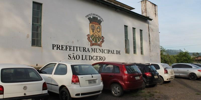 Utilização de veículos públicos em São Ludgero somente em casos de emergências