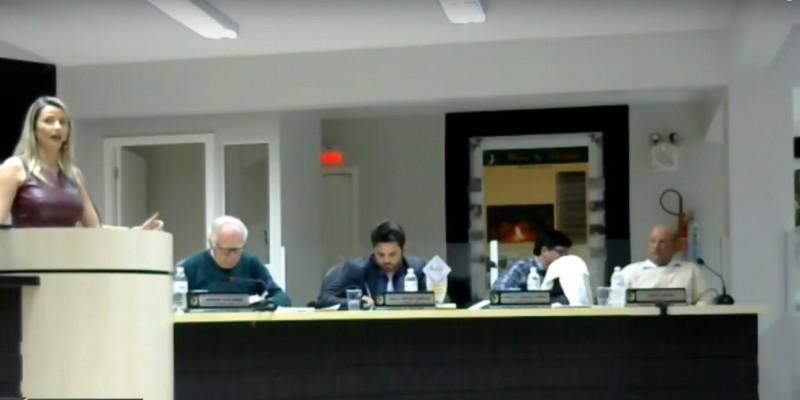 Sessão da Câmara de Vereadores desta segunda 28 em Orleans foi agitada e o plenário teve manifestação do servidores municipais