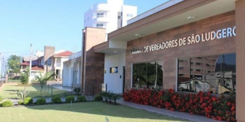 Atividades da Casa Legislativa acontecem normalmente durante o recesso, em São Ludgero.