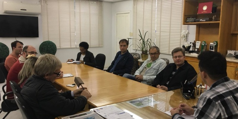 CDL e Administração Municipal realizam reunião sobre Natal