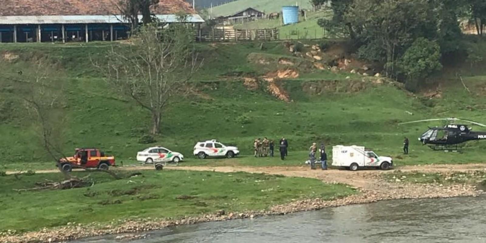 Crianças em rio: um dos corpos foi encontrado pelos bombeiros