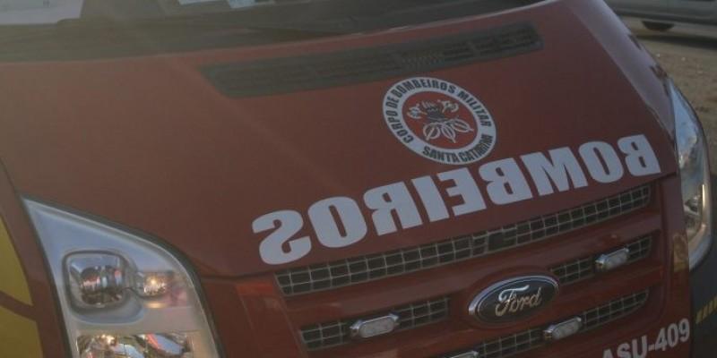 Acidente entre moto e ônibus deixa uma pessoa ferida