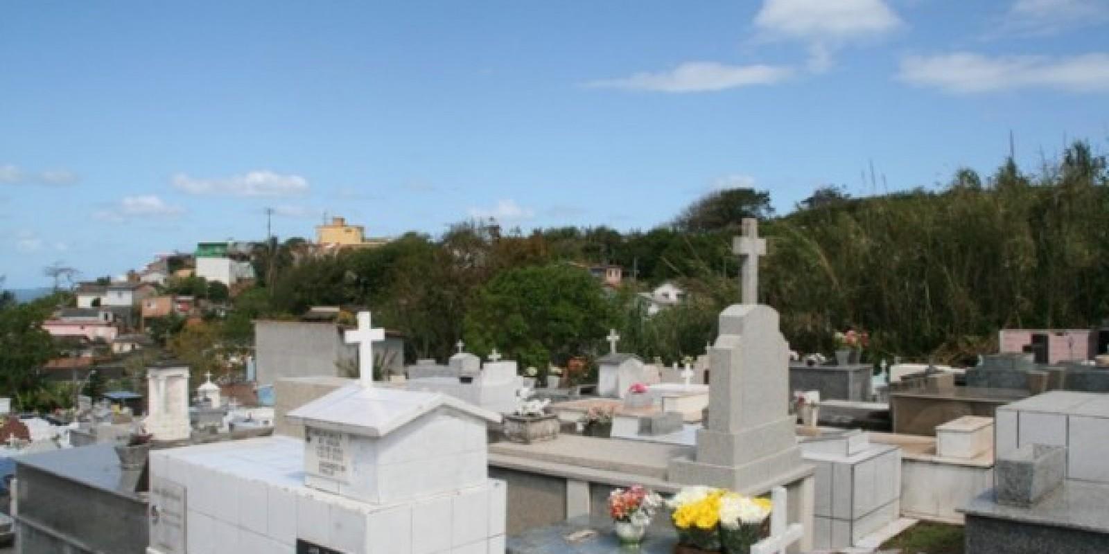 Criação de cemitério particular em Laguna é alternativa para falta de vagas