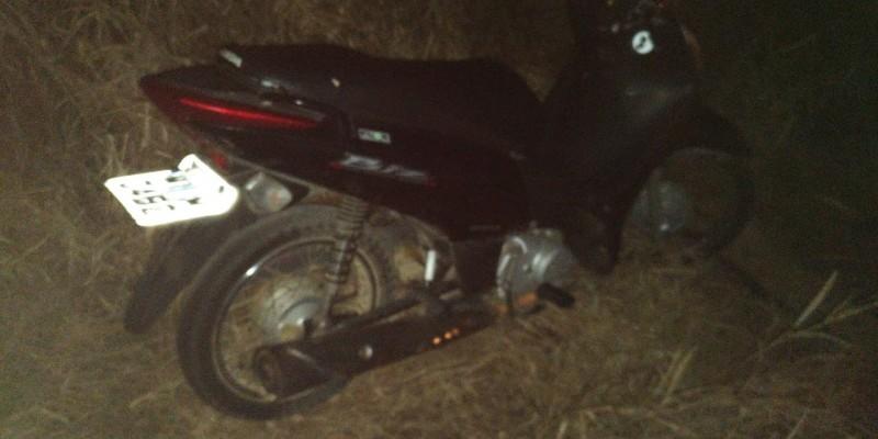 Polícia encontra moto com registro de furto, em BN