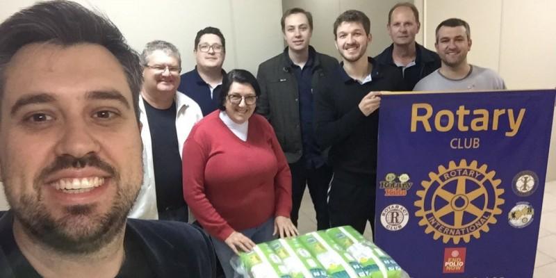 Rotary de São Ludgero faz doação de fraldas a Pastoral Social