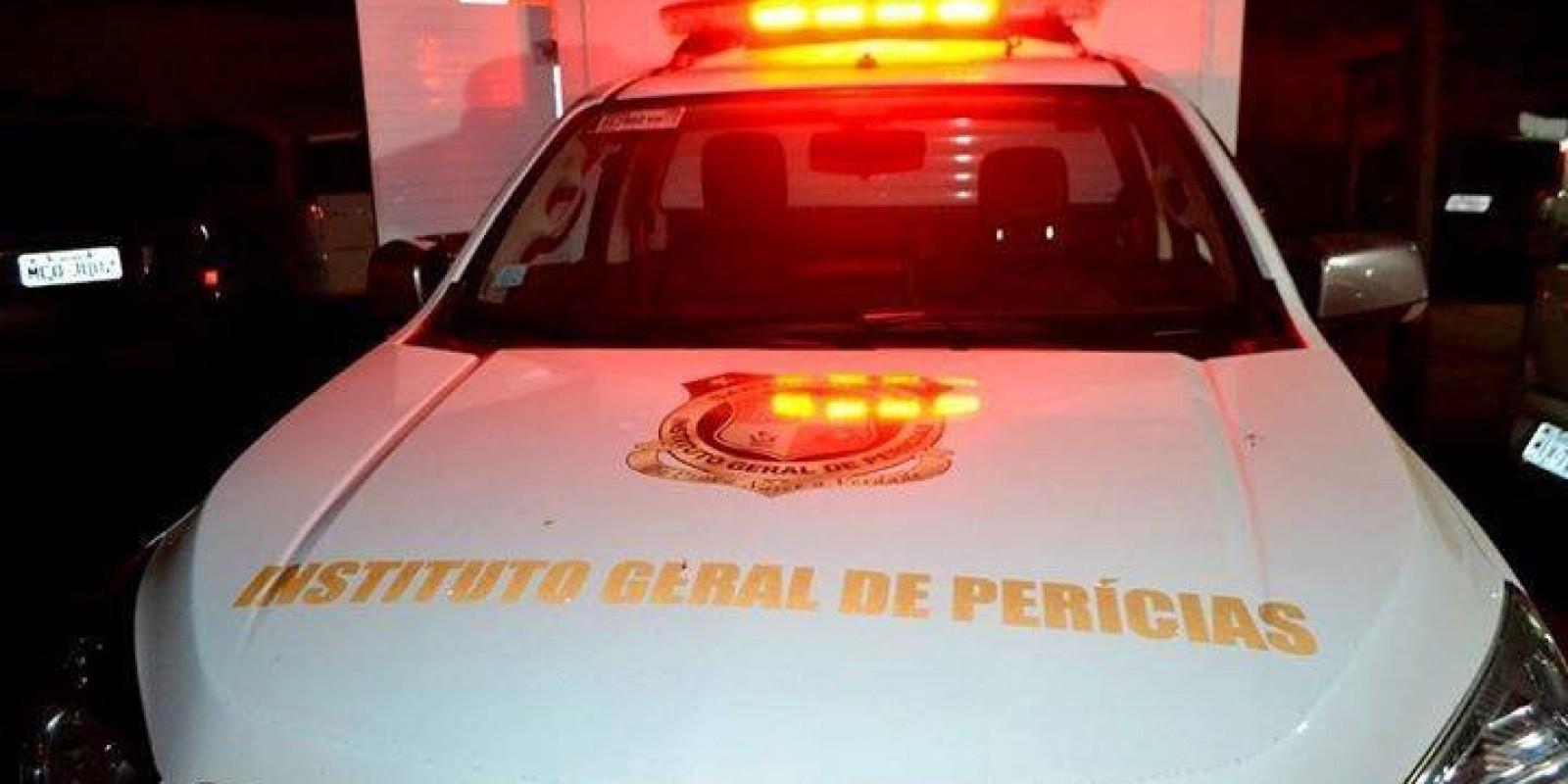 Policiais encontram corpo de mulher dentro de automóvel, em Criciúma