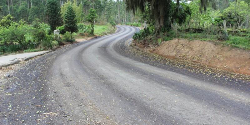Mais 1,4 quilômetro de asfalto na Estrada Geral Rom Retiro