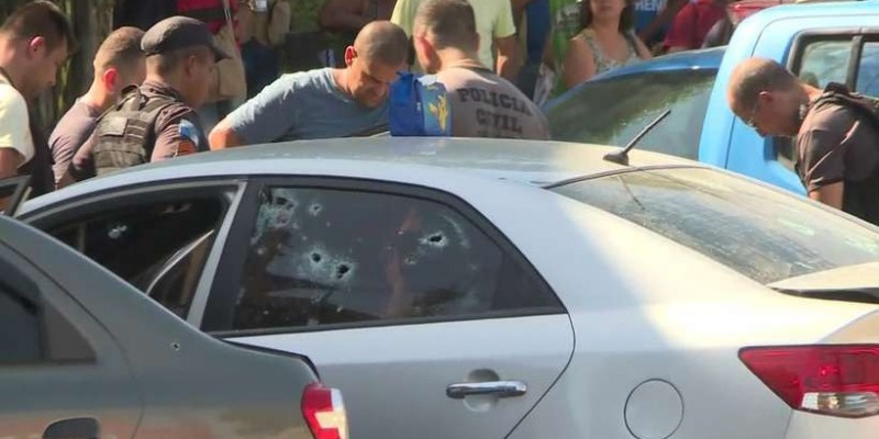 Policial fura bloqueio do Exército no RJ, troca tiros com militares e morre