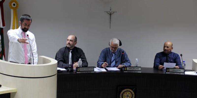 Cristian Berger assume cadeira no Legislativo Orleanense