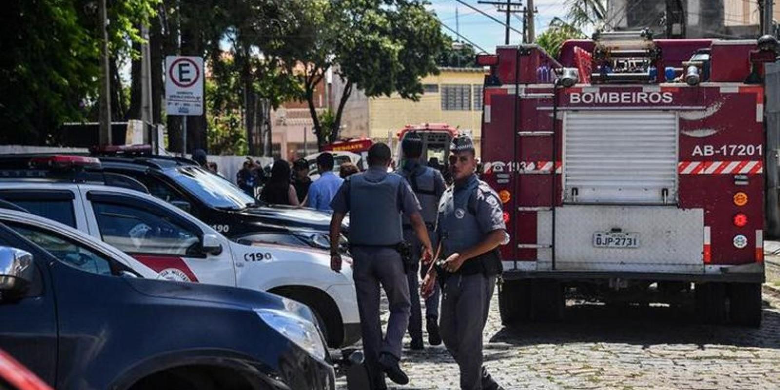 Adolescentes usaram revólver e arma medieval em ataque em Suzano
