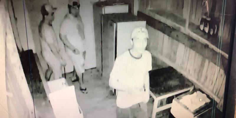 Trio invade galpão e rouba bebidas em São Ludgero