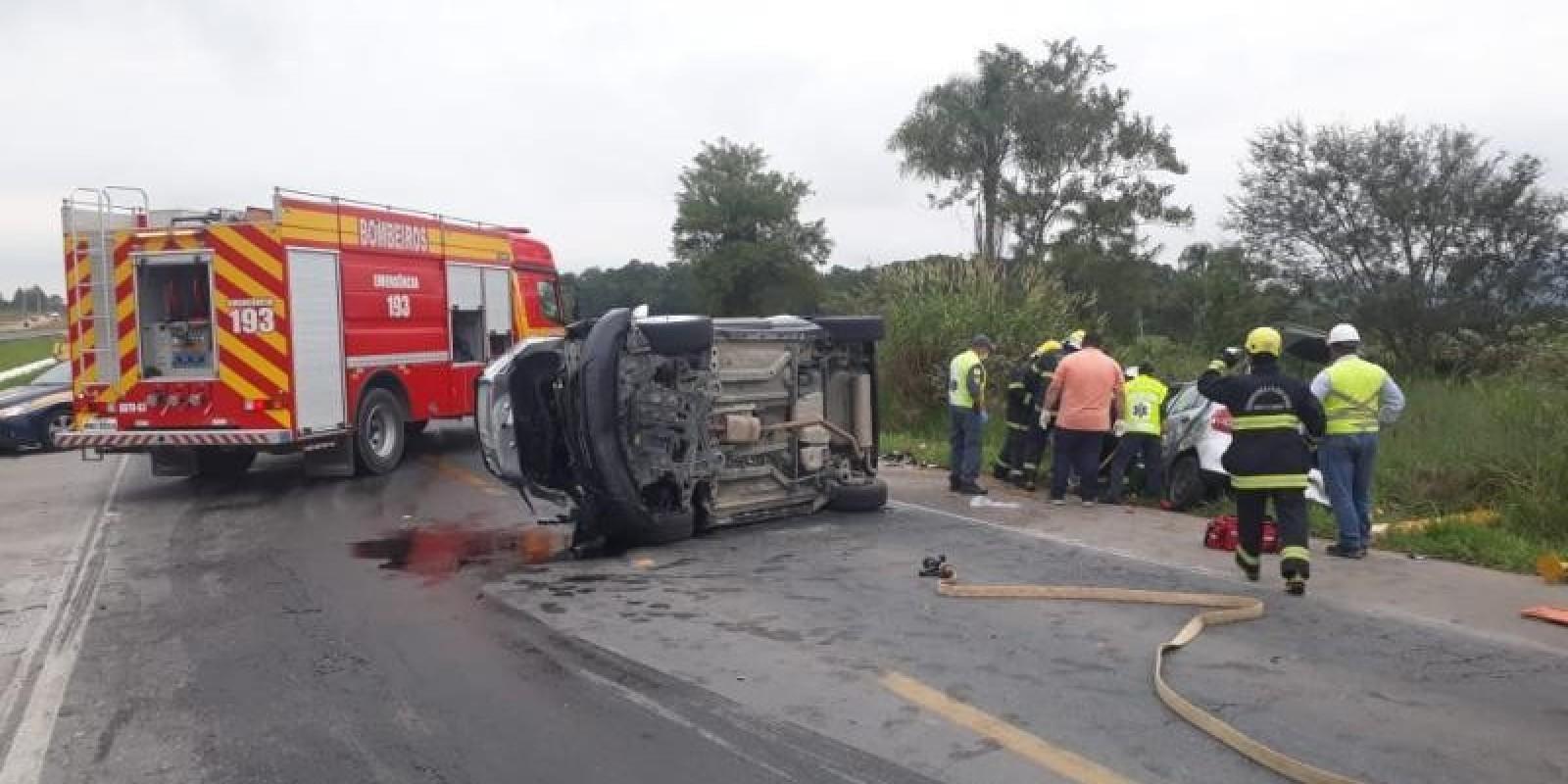 Cinco pessoas morrem em acidentes nas rodovias de SC durante o fim de semana