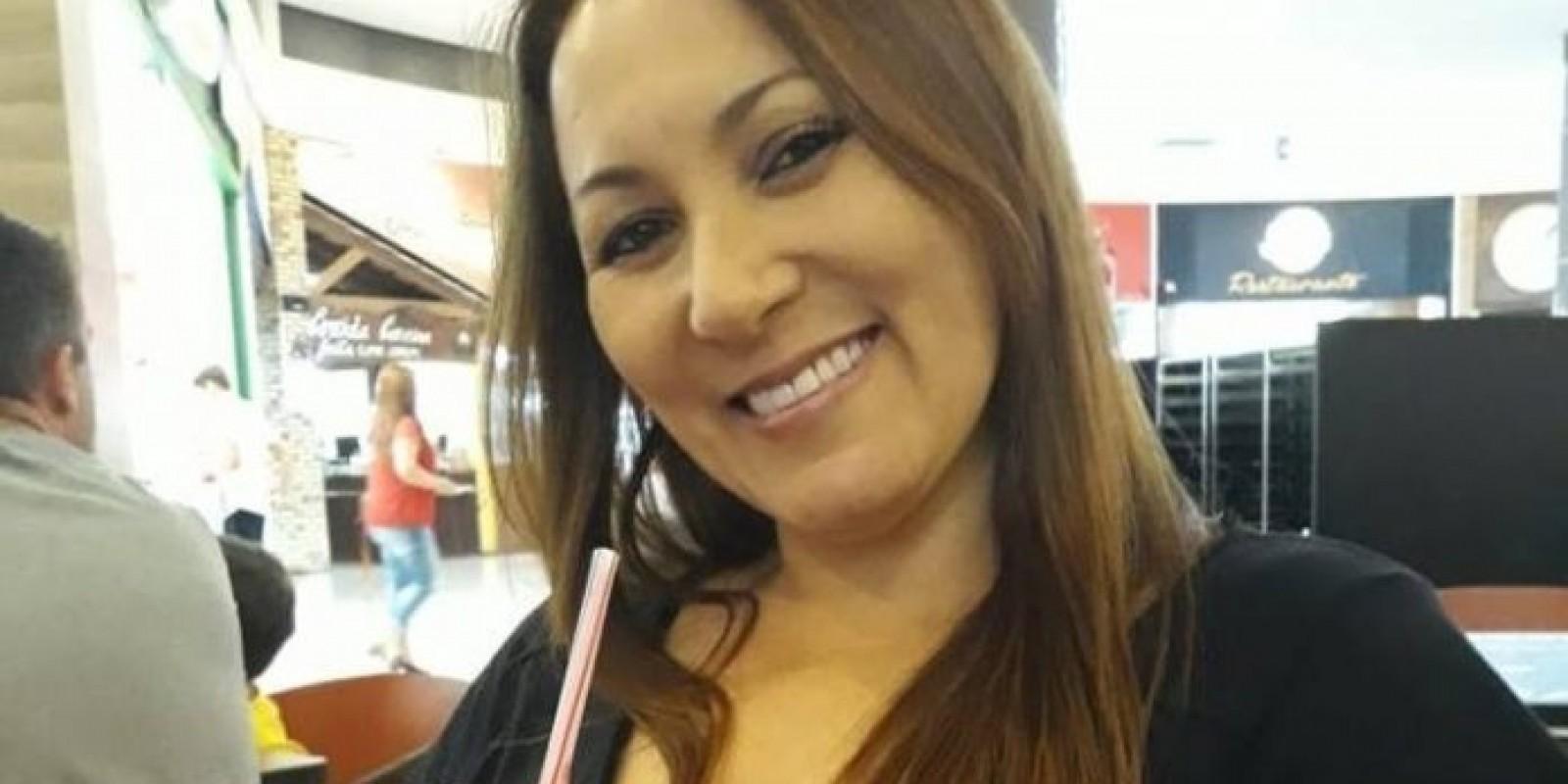 Mulher é morta com tiro na frente do filho de 18 anos