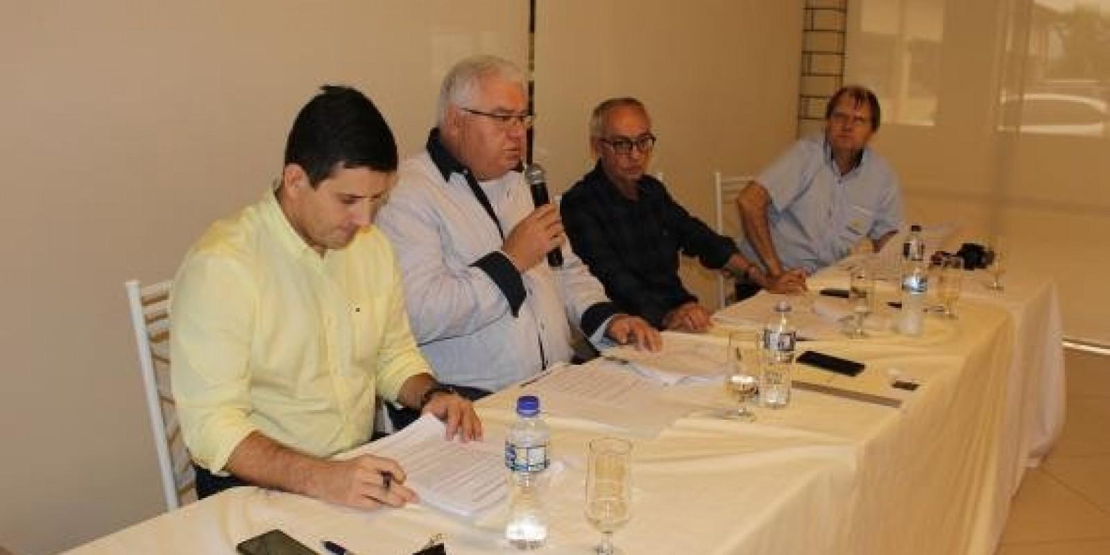 Reunião mensal da Fecoerusc é realizada na Cegero