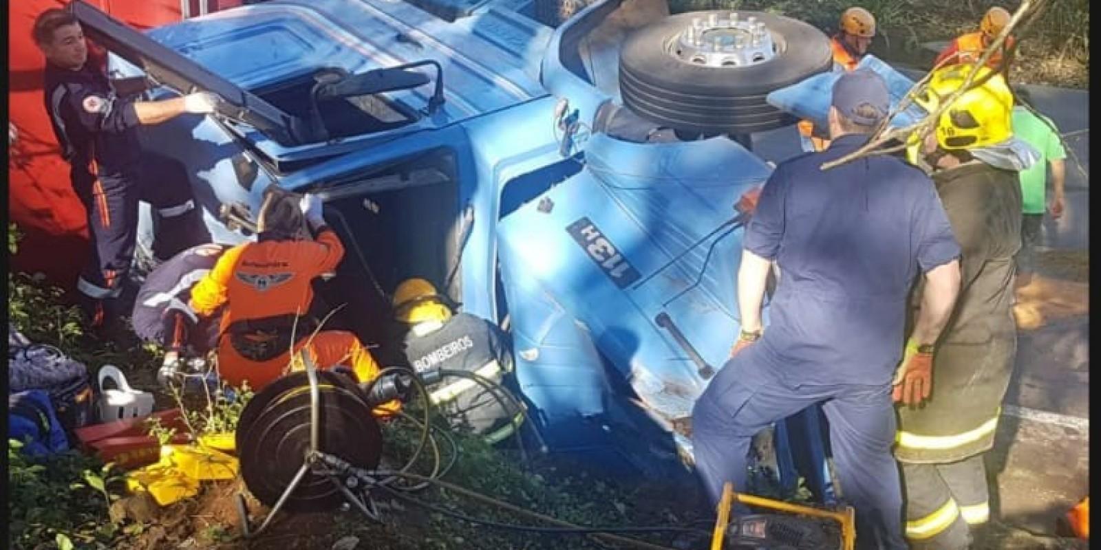 Vídeo: caminhoneiro de BN morre em acidente no Oeste