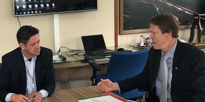 Deputado Volnei Weber mostra preocupação com Porto de Imbituba