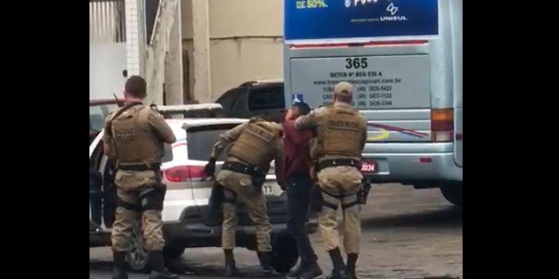 Braço do Norte: homem é conduzido à delegacia após ameaças com faca em Bar