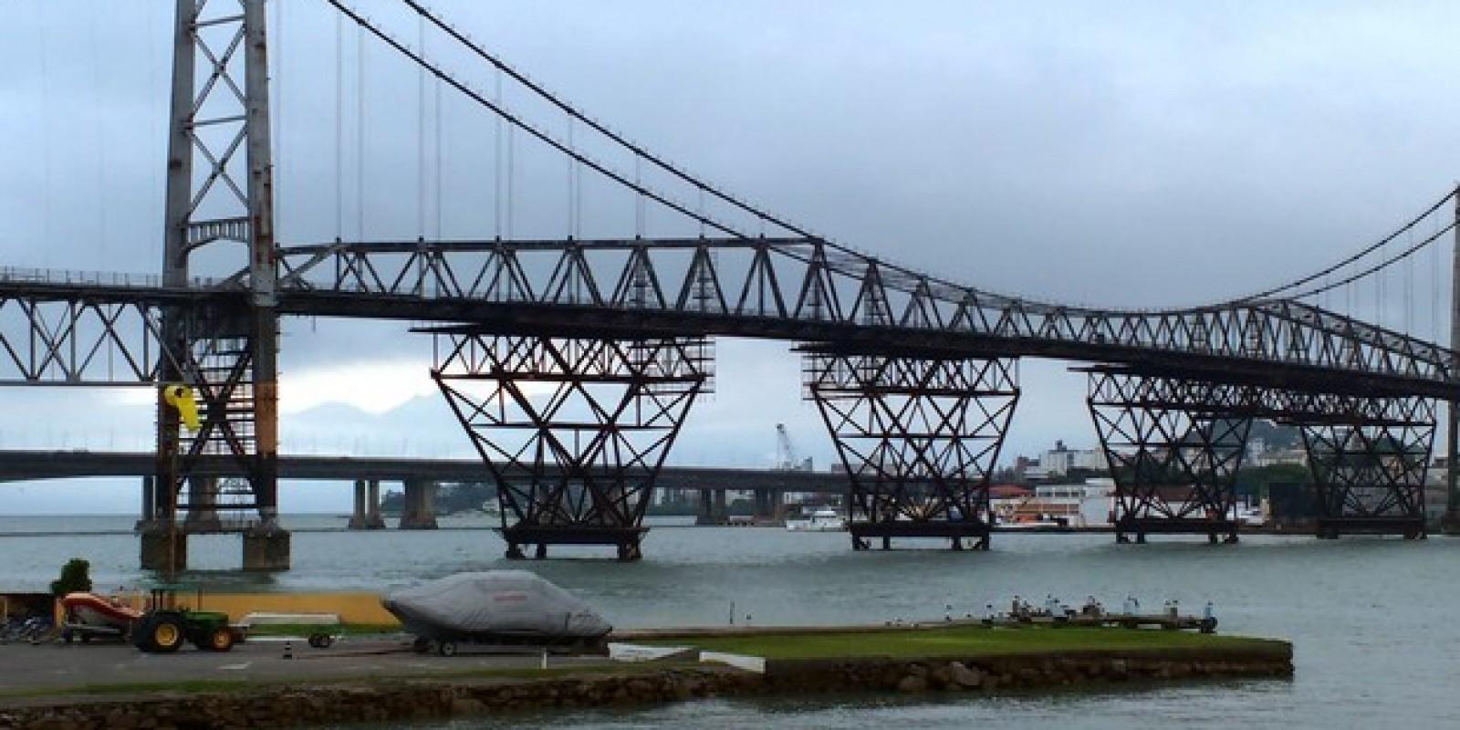 Deputado pede doação de estrutura metálica da Ponte Hercílio Luz para outros municípios