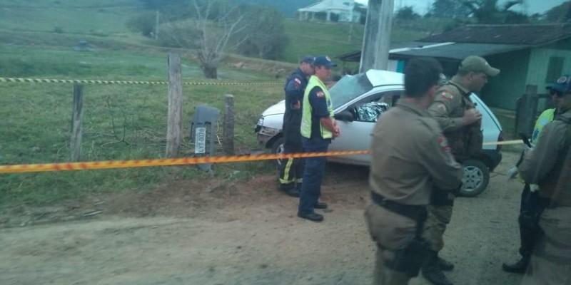Homem morre após colidir em poste em São José Braço do Norte