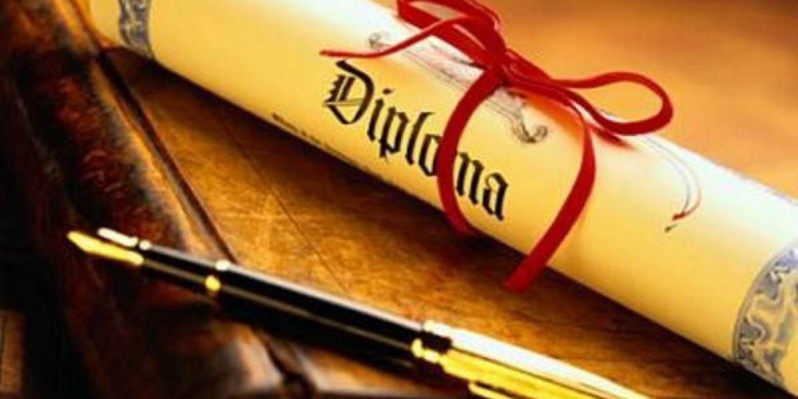 Denúncia sobre diplomas é investigada