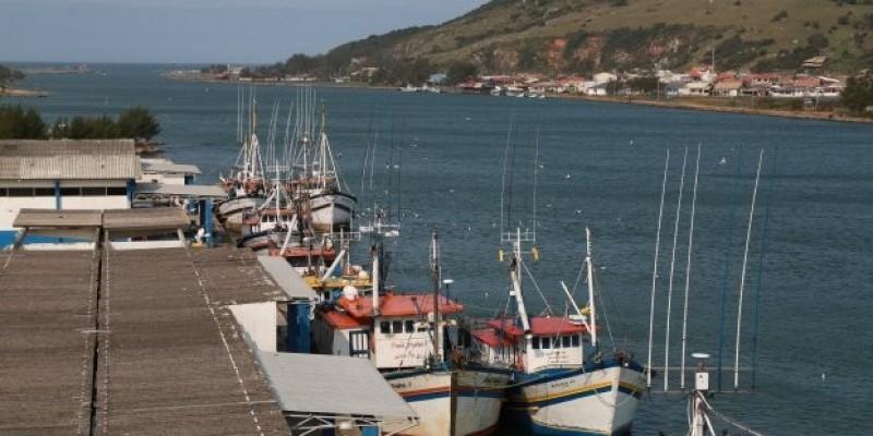 Estado assume Terminal Pesqueiro de Laguna e projeta criação de empregos