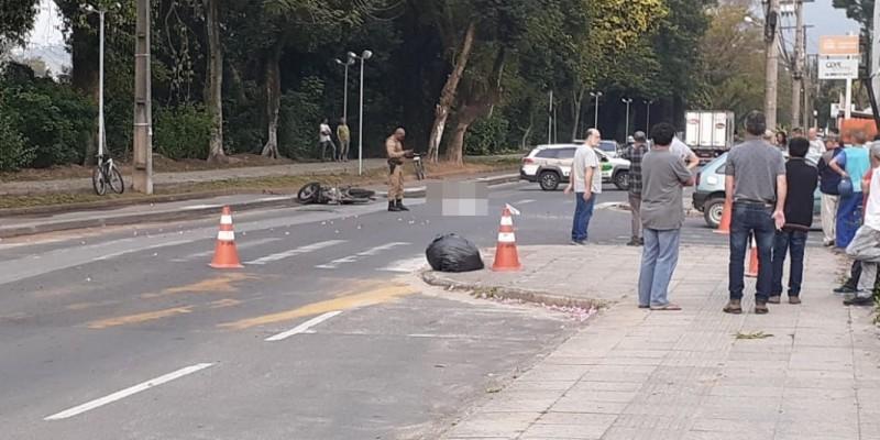 Motociclista morre em acidente na beira-rio em Tubarão