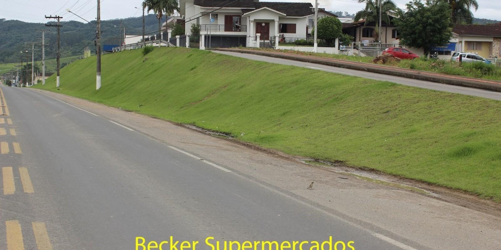 """Becker Supermercados, Plastlife, Rotary Club e Edplast Descartáveis adotarão legalmente áreas públicas em São Ludgero através do programa """"Adote um Espaço"""""""