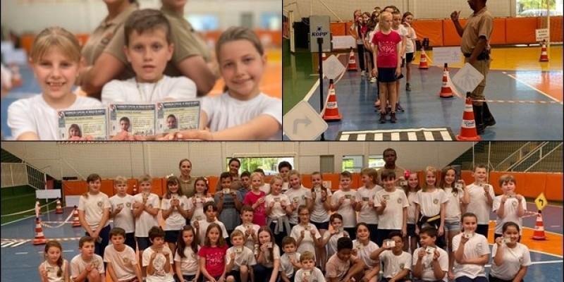 PM realiza solenidade de formatura do programa escolinha de trânsito em Rio Fortuna