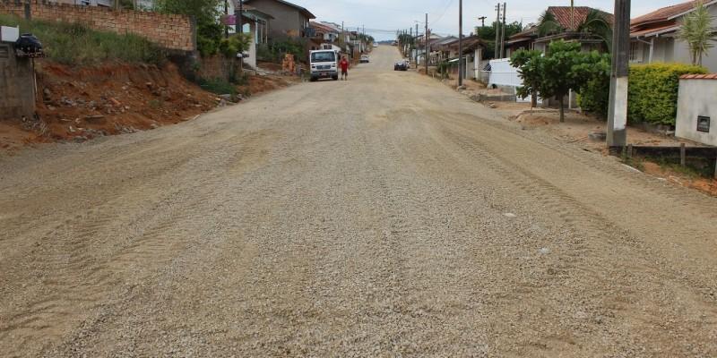 São Ludgero: Rua Prefeito Luiz Füchter em contagem regressiva para receber a camada asfáltica