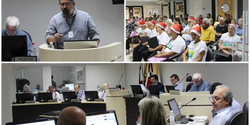 Sessão da Câmara Municipal teve clima natalino em Orleans