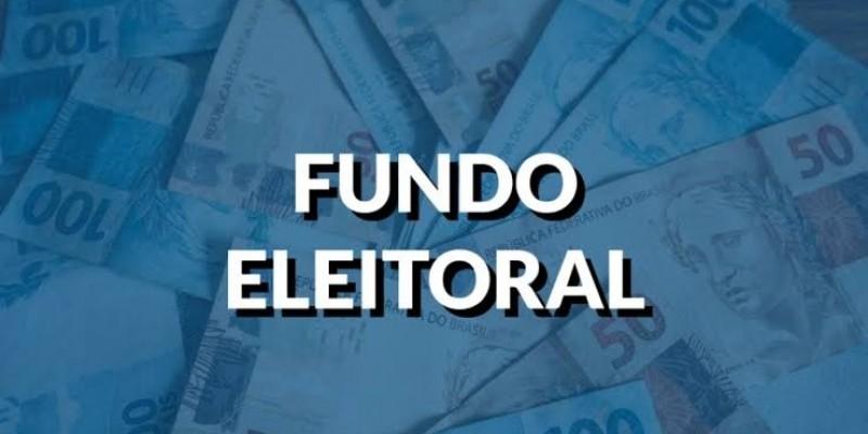 Bolsonaro sanciona Orçamento com fundo eleitoral de R$ 2 bi