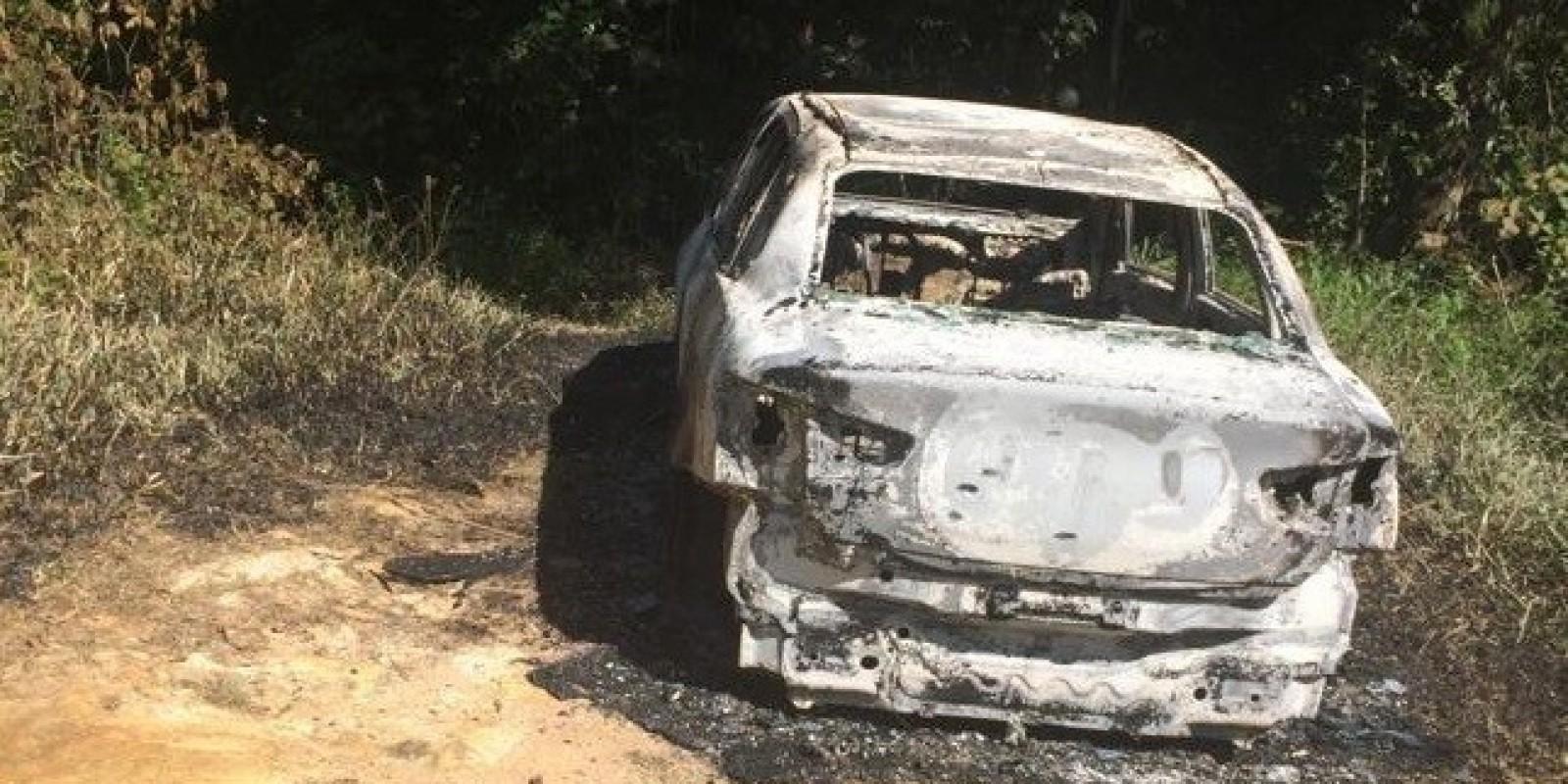 Carro de taxista é encontrado incendiado no interior de Urussanga