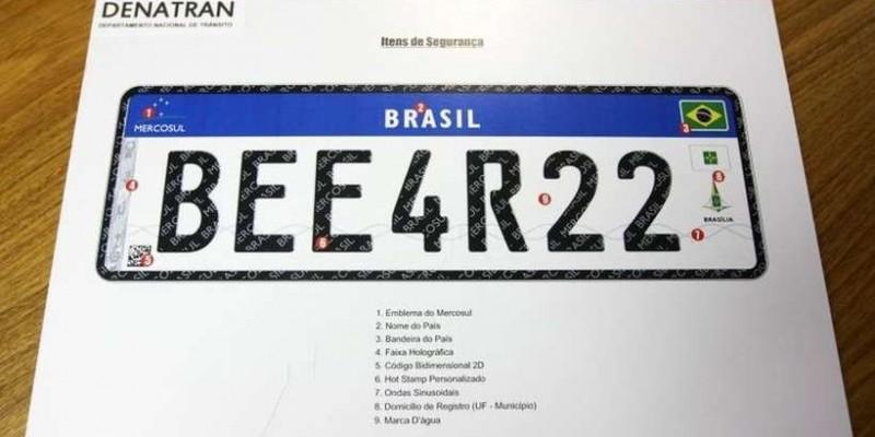 Entenda as polêmicas da nova placa Mercosul para veículos