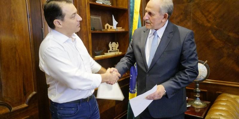 Prefeito em exercício de Lauro Müller tem audiência com governador