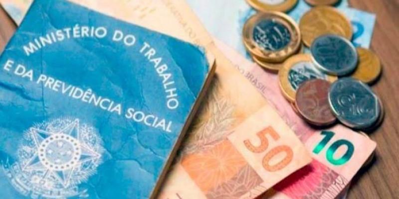 Salário mínimo deve subir 4 ou 5 reais