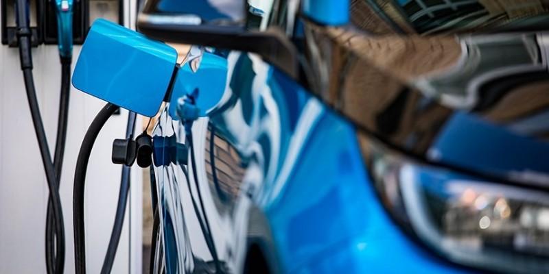 Senado pode aprovar pontos de recarga para carros elétricos