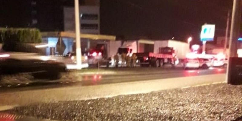 Vídeo: motorista de caminhão foge da PM e percorre três municípios em alta velocidade