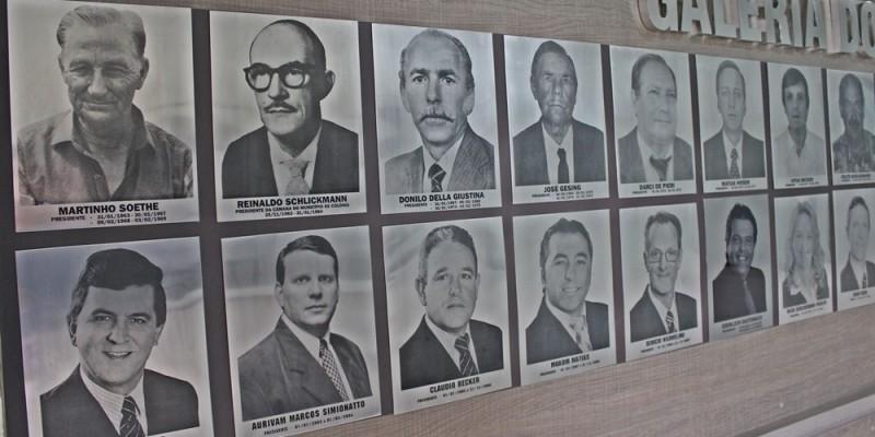 A Câmara Municipal de São Ludgero procura por fotos antigas de ex-vereadores