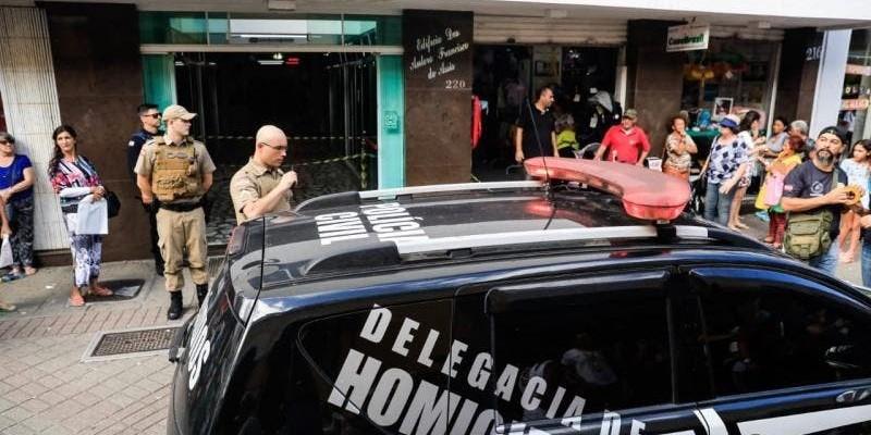 Adolescente que matou comparsa em assalto na Capital será internado, como requereu o MPSC