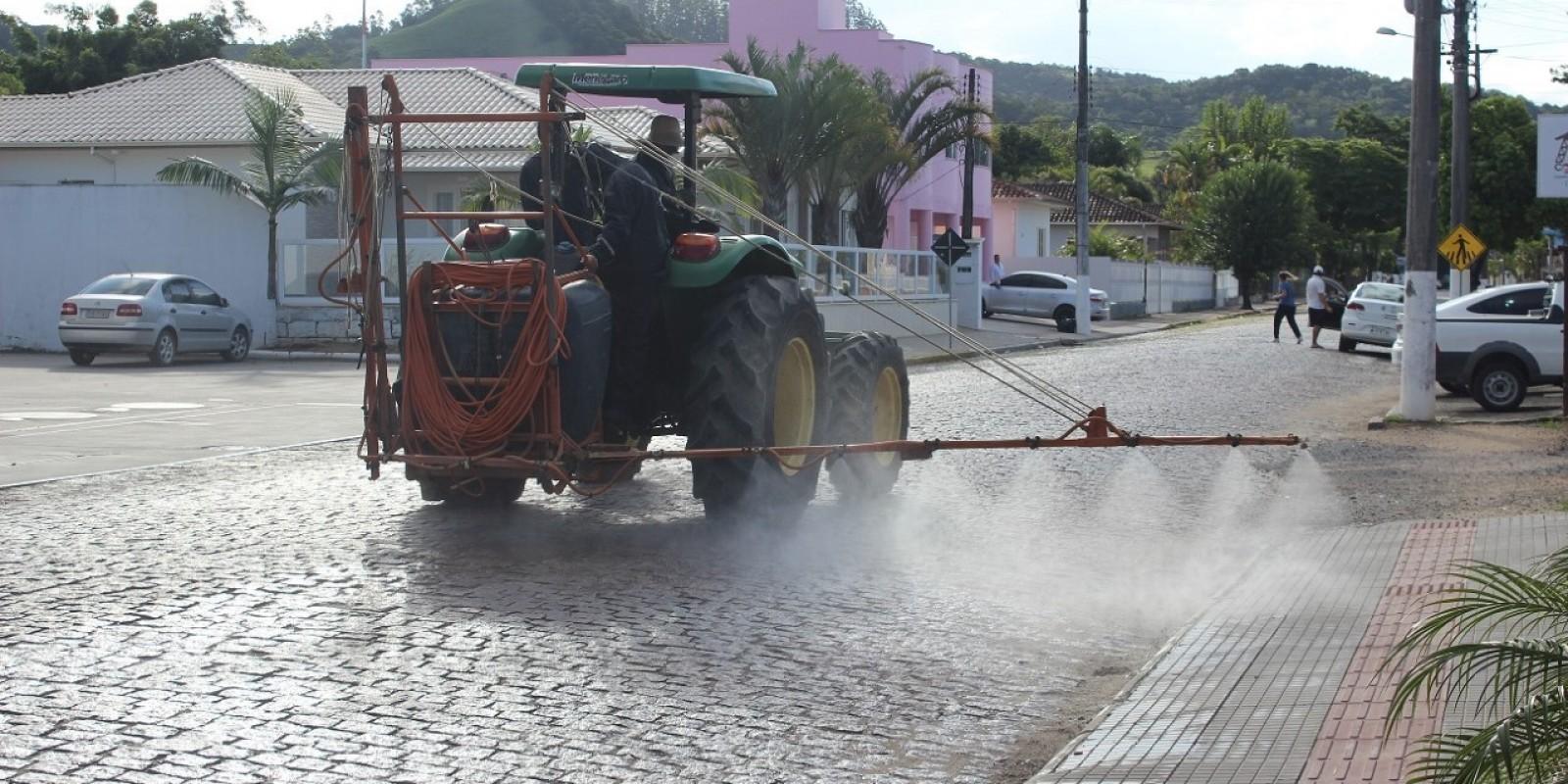 São Ludgero: equipe já está desinfetando pontos que tem maior circulação