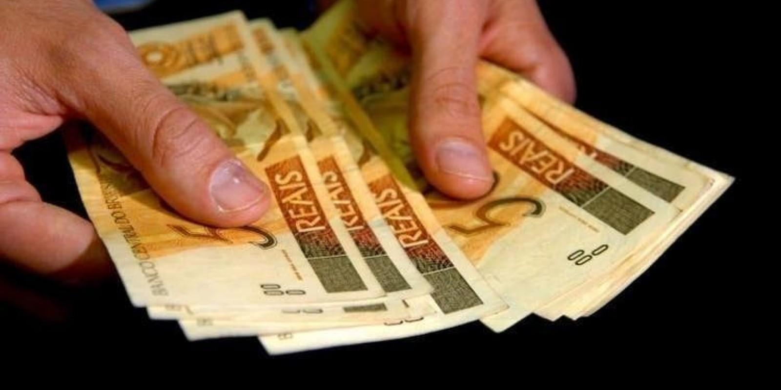 Auxílio de R$ 600: quando começa, quem tem direito e como receber o benefício emergencial