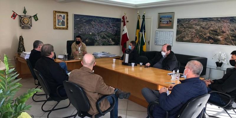 Prefeitura recebe HST para a elaboração do plano de trabalho para UTIs do HST